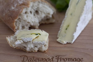 Dalewood Brie with Green Fig, 125g